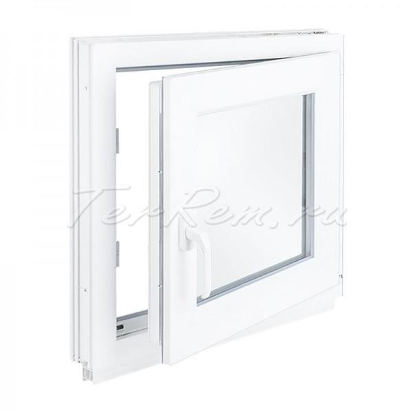 Пластиковая дверь под окно на кухне